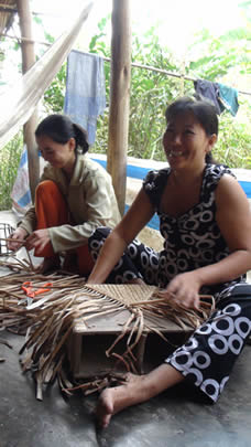 Water hyacinth craftswomen
