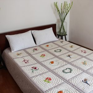 Seasons Quilt (Queen size)-0