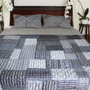 Silk Patchwork Quilt (Queen Size)-0