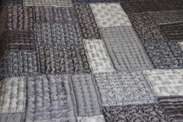 Silk Patchwork Quilt (Queen Size)-975