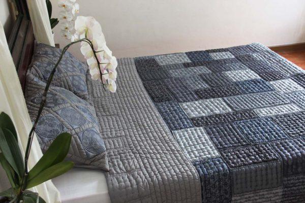 Silk Patchwork Quilt (Queen Size)-974